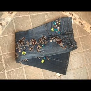 Boot leg embroidered and appliquéd jeans Brand New
